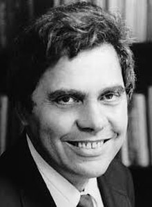 Portrait photo of author Neil Postman