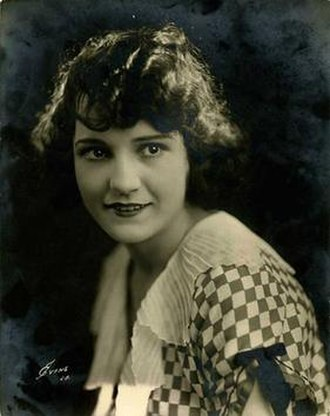 Sybil Seely - Seely, photographed by Nelson Evans