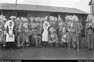 Brockenhurst - Medical staff and patients at WW1 New Zealand First General Hospital, Brockenhurst, between 1917–19