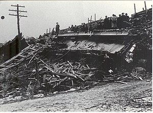 Shepherdsville train wreck - Wreckage of a demolished car