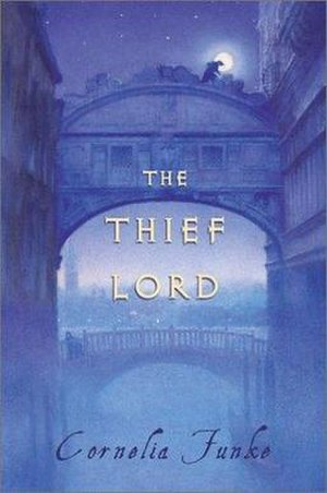 The Thief Lord - English book cover by in English from Chicken House Publishing, Ltd and Scholastic.