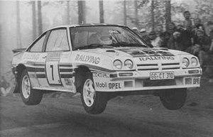 Henri Toivonen - Toivonen driving the Manta 400