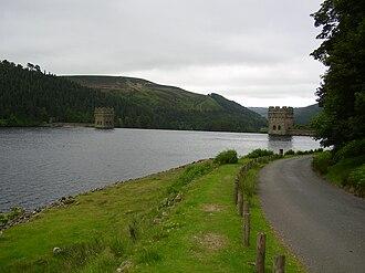 Howden Reservoir - Image: Howdenoverflow