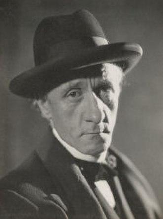 Hannen Swaffer - Hannen Swaffer in 1930, photographed by Howard Coster