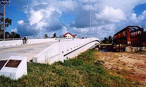 Transport in Guyana - Mahaicony bridge