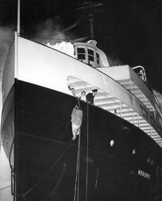 SS Noronic - Passengers escape by rope