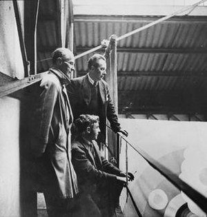 Léopold Survage - Léopold Survage (left) with Robert Delaunay and Albert Gleizes prior to the Exposition Internationale des Arts et Techniques dans la Vie Moderne
