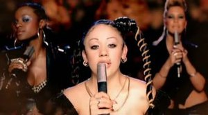 """Round Round - The Sugababes featured as a band performing on a rotating platform in the video for """"Round Round""""."""