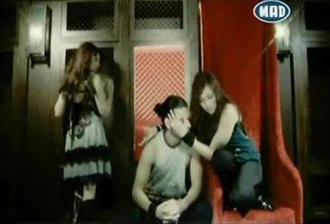 Pos Allazei O Kairos - Katy in music video for Afti