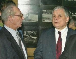 Jerzy Tomaszewski (photographer) - Jerzy Tomaszewski (left) with President of Poland Lech Kaczyński (right) at his photo exhibit in Warsaw