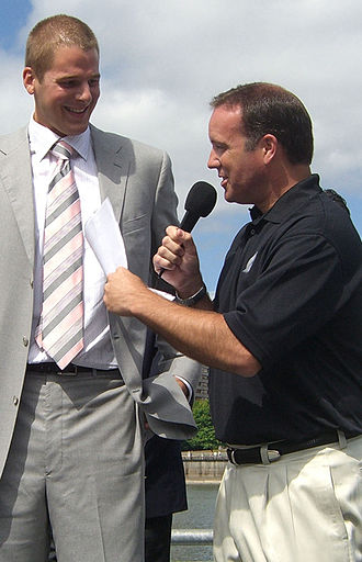 Mike Barrett (sportscaster) - Mike Barrett interviews Blazer Center Joel Przybilla in Portland at the time of his 2006 free agent signing.