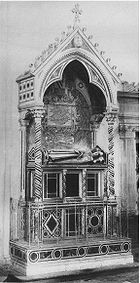 Tomb of Pope Adrian V froth.jpg