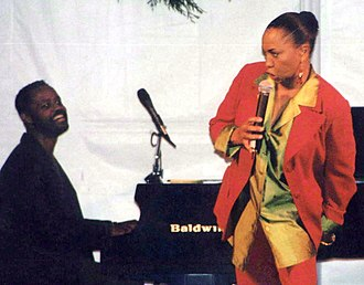 Mervyn Warren - Warren accompanies comedian/actor/vocalist Jenifer Lewis