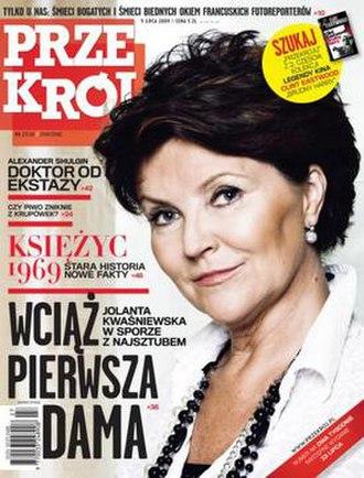 Przekrój - 4 July 2009 cover (The First Lady)
