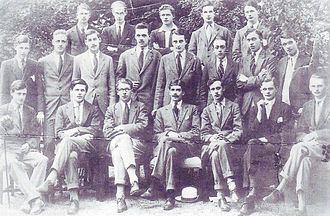 Anthony Eden - The Uffizi Society Oxford, ca. 1920. First row standing: later Sir Henry Studholme (5th from left). Seated: Lord Balniel, later 28th Earl of Crawford (2nd from left); Ralph Dutton, later 8th Baron Sherborne (3rd from left); Anthony Eden, later Earl of Avon (4th from left); Lord David Cecil (5th from left).