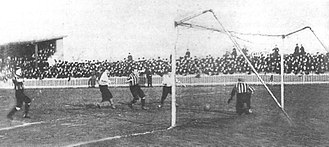 Northumberland Park, 28 January 1899, Spurs vs Newton Heath (later renamed Manchester United) Tottenham Hotspur vs Newton Heath January 1899.jpg