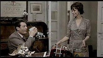 A Special Day - Gabriele (Mastroianni) and Antonietta (Loren) in her living room
