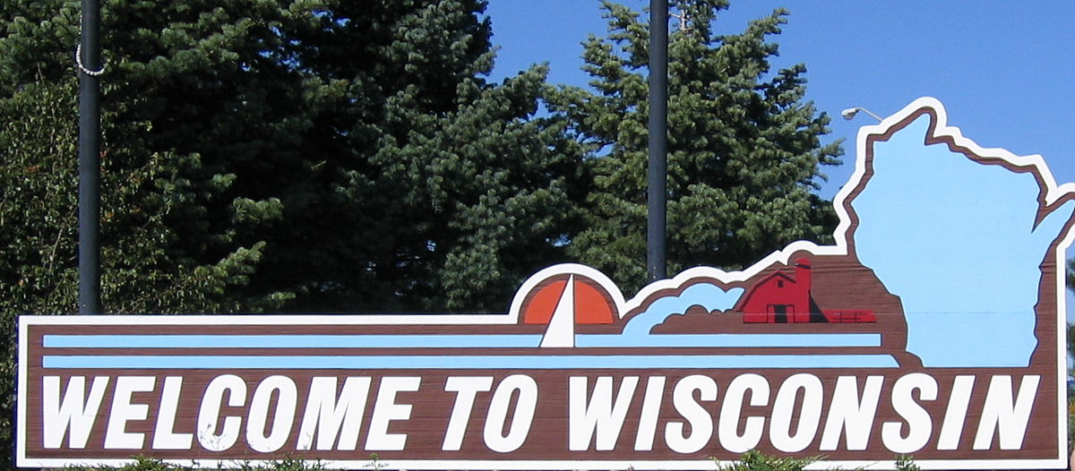 Wisconsin welcome sign.JPG