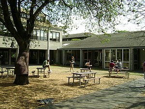 Ridley College (Melbourne) - Main quadrangle, facing Stanway (left) and dining room (right)