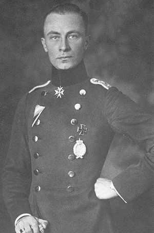 Eduard Ritter von Schleich - Schleich wearing his Pour le Mérite on his neck.