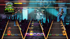Gameplay of a whole band. On top is vocalist, bottom from left to right: Guitar, Drums, Bass
