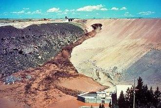 Teton Dam - Image: Teton Dam Sequence 03