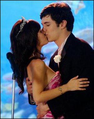 "Seth Cohen - Seth and Summer at their Junior Prom in ""The O.Sea"" (episode 2.23)"
