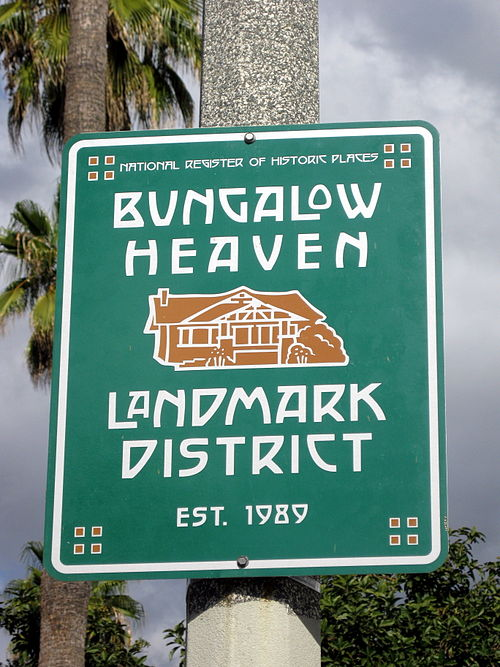 Bungalow Heaven Landmark Historic District Street Sign