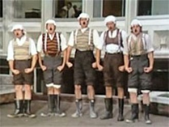 Monty Python's Flying Circus - Gumbys on parade