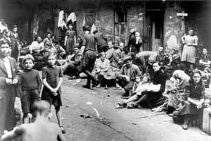 Kielce pogrom - Jewish Holocaust survivors awaiting transport to the British Mandate of Palestine