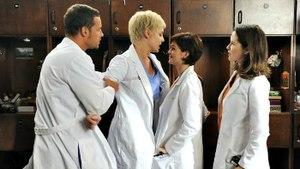 Invasion (Grey's Anatomy) - Image: Izzie Stevens Fight