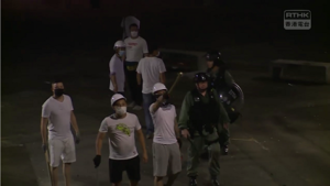 721 riot police ignore white shirt thugs with wooden stick 427 240.png