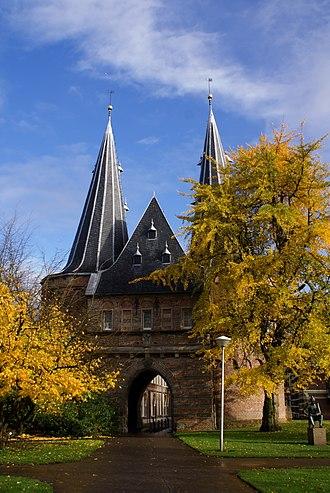 Kampen, Overijssel - Cellebroederspoort in Kampen