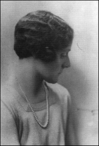 Beaver Hall Group - Beaver Hall Group member Kathleen Morris in 1930.