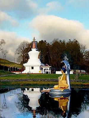 Kagyu Samye Ling Monastery and Tibetan Centre - Image: Samye ling stupa and statue