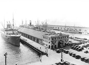 Broadway Pier, San Diego - The Broadway Pier as it appeared in 1913. It has been remodeled at least twice since, in the 1970s and again in 2010.