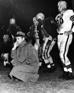 Browns coach Paul Brown with players, 1952