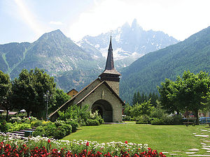 Les Praz - The church in Les Praz, with the Aiguille du Dru visible behind