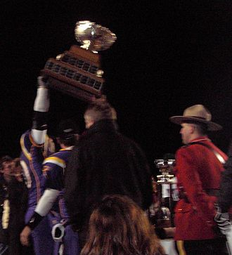 Vanier Cup - The Laurier Golden Hawks won the 2005 Vanier Cup, defeating Saskatchewan 24–23.