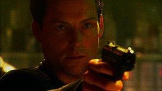 Black Market (Battlestar Galactica) - Apollo (Jamie Bamber) confronts Phelan.
