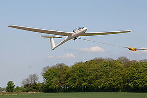 Cotswold Gliding Club - Image: DG500launch