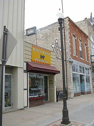 Wamego, Kansas - Image: Totos Tacoz 2008