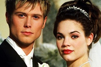 Lucky Spencer and Elizabeth Webber - Lucky and Elizabeth (Young and Herbst, pictured) in December 2001.