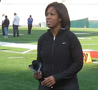 Lisa Salters - Salters prepares for the 2009 Rose Bowl broadcast.