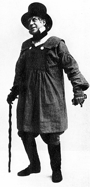 Willie Warde - Warde as Mummery in A Country Girl, 1902