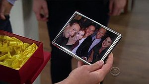 The Locket (How I Met Your Mother) - Image: The Locket (How I Met Your Mother)