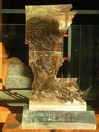 Arkansas–LSU football rivalry - Image: The boot (lsu arkansas)