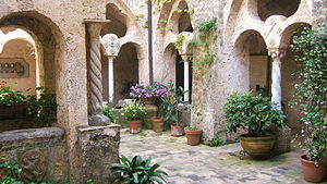 Villa Cimbrone - The courtyard