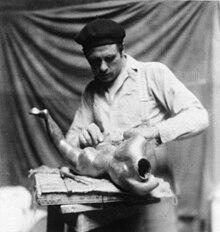 Leon Underwood 1890-1975.jpg