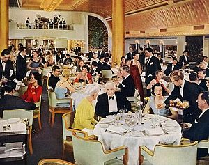 SS Nieuw Amsterdam (1937) - The first-class dining room aboard the Nieuw Amsterdam